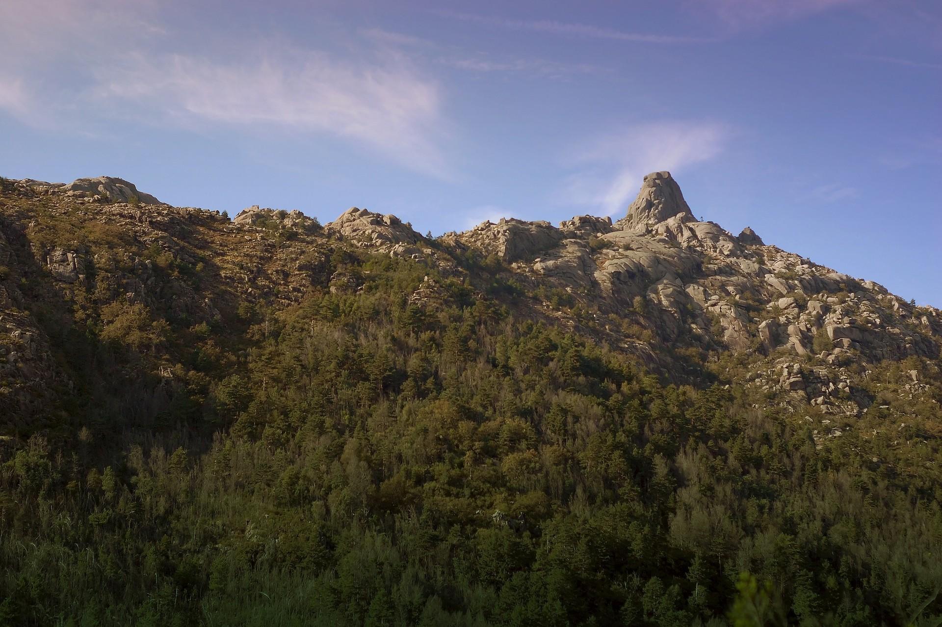 山顶美丽风景Mac动态壁纸